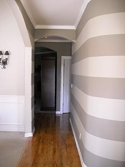 Striped entry wall horizontal wall stripes (5)