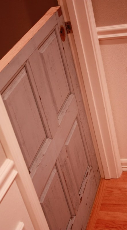 8 Transform an old beat up door into a dutch door by Its the Little Things featured on @Remodelaholic