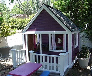 Playhouse Makeover with Help from the Kiddos…