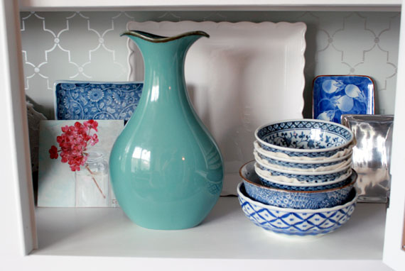 How To Store And Display Kitchen Dishes, By @Remodelaholic