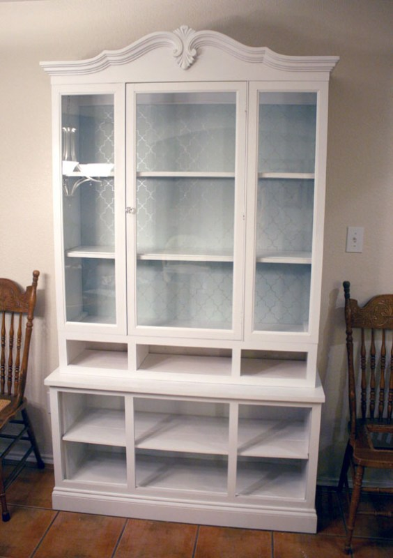 7 Wooden To White Hutch For Storing Dishes, By @Remodelaholic