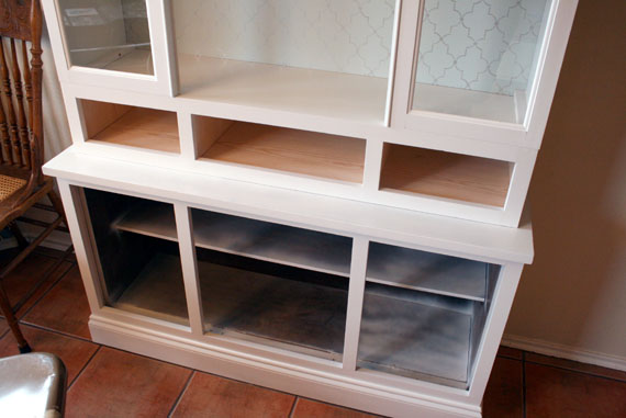 How To Makeover A Wooden Hutch, By @Remodelaholic