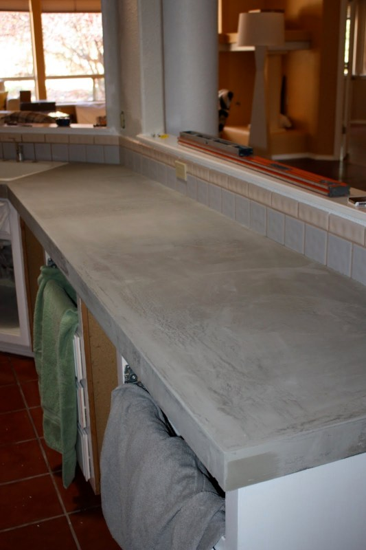 23 Makeover Your Kitchen With DIY Concrete Countertops, By Design Stocker Featured On @Remodelaholic