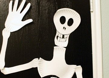 Paper Plate Skeleton; Kids Craft!