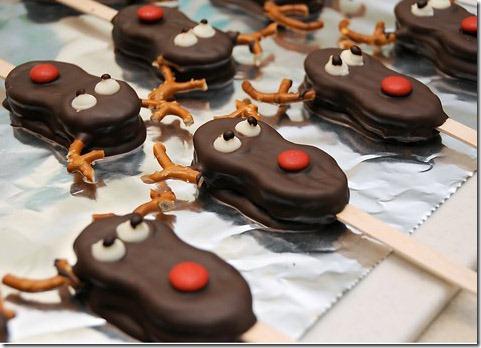 nutter-butter-reindeer-pops-christmas2