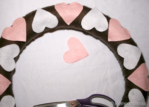 DIY Valentine's Wreath from Remodelaholic