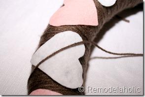 Making an Argyle Valentines wreath (24)