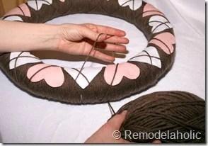 Making an Argyle Valentines wreath (33)