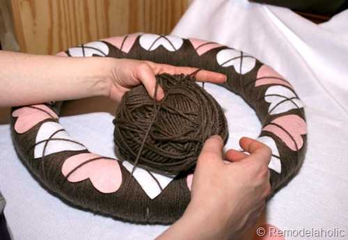 Make an argyle valentine's wreath from Remodelaholic