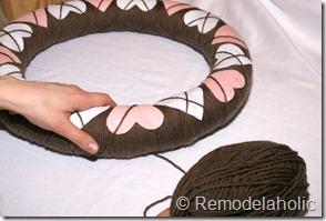 Making an Argyle Valentines wreath (38)