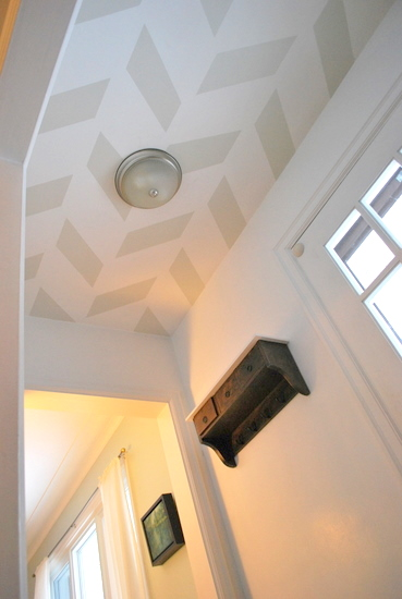 10 DIY Tutorial for painting a herringbone pattern on the ceiling, by The Sweetest Digs featured on @Remodelaholic