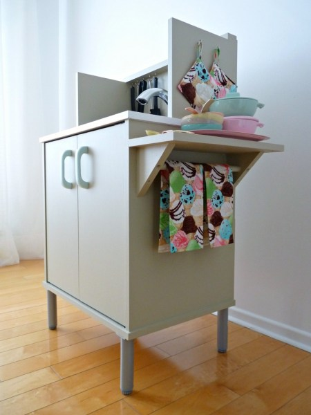 Play Kitchen From Microwave Stand (17)