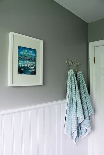 Updating an old bathroom with graoutable peel and stick tiles (10)