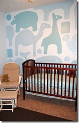 Boys Nursery bedroom with large animal graphic mural (1)