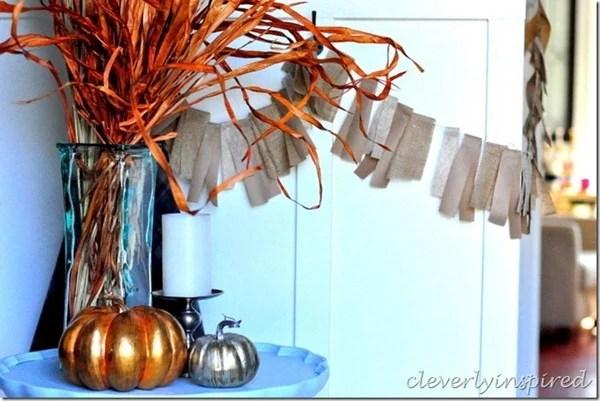 6 diy-paper-and-burlap-fall-garland-8_thumb