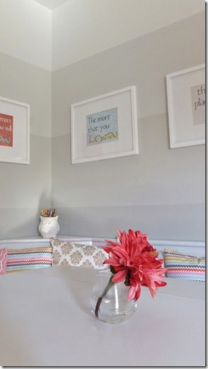 dining nook with ombre painted stripe walls (28)