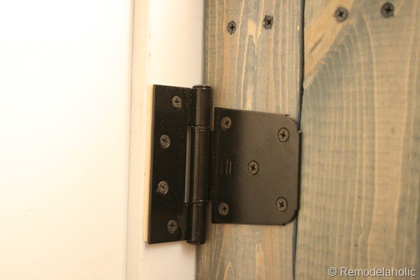 Heavy Duty Gate Hinge On Wooden Barn Door Baby Gate #remodelaholic