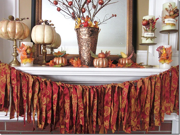 Tahnskgiving mantel iwth ragamuffin garland