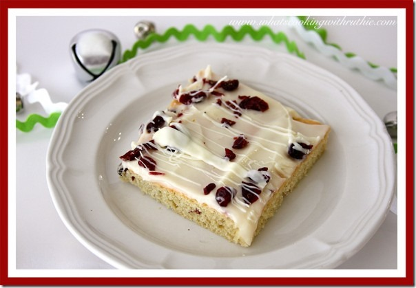 Starbucks-Cranberry-Bliss-Bar11-600x415