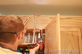 Upgrade Oak Kitchen Cabinets With Crown Moldings-14