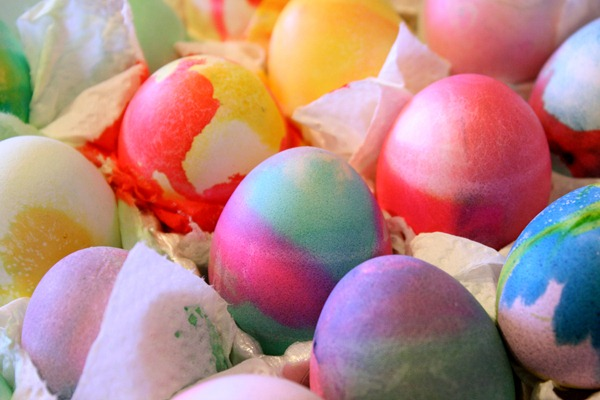 Dying easter eggs 015