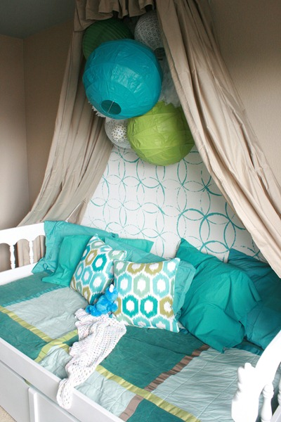 Girls Bedroom with stenciled wall and crown cornice canopy bed blue and green (11)