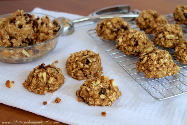 Healthy-Oatmeal-Apple-Raisin-Cookies-5