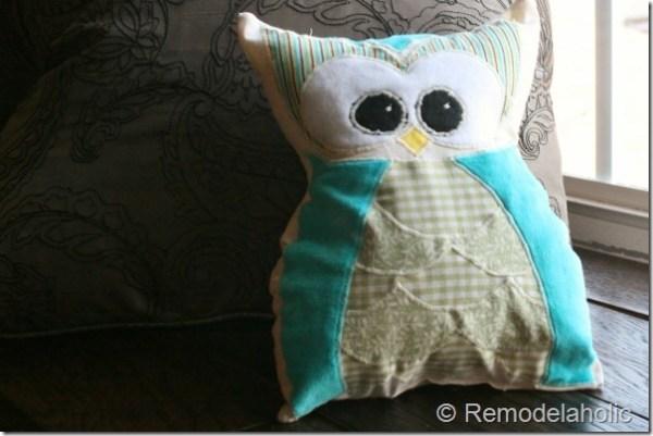 Remodelaholic owl pillow