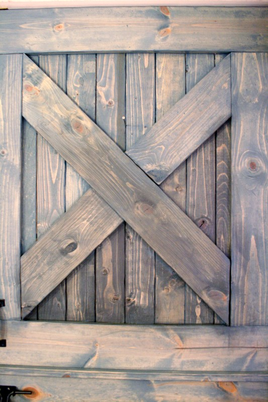 color washing paint technique, wood grain still shows, barn door (12)