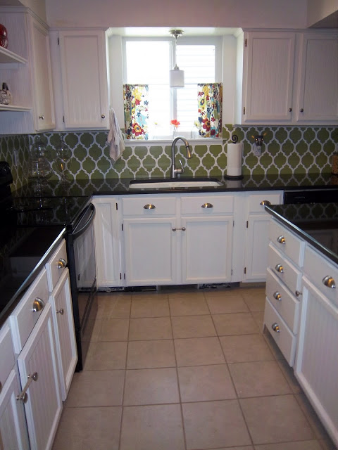 Remodelaholic stenciled backsplash