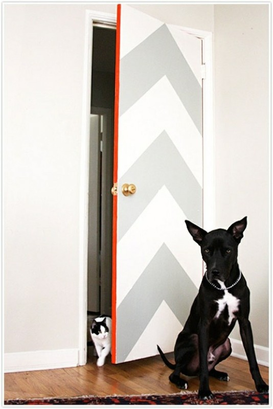 chevron door with colored edge