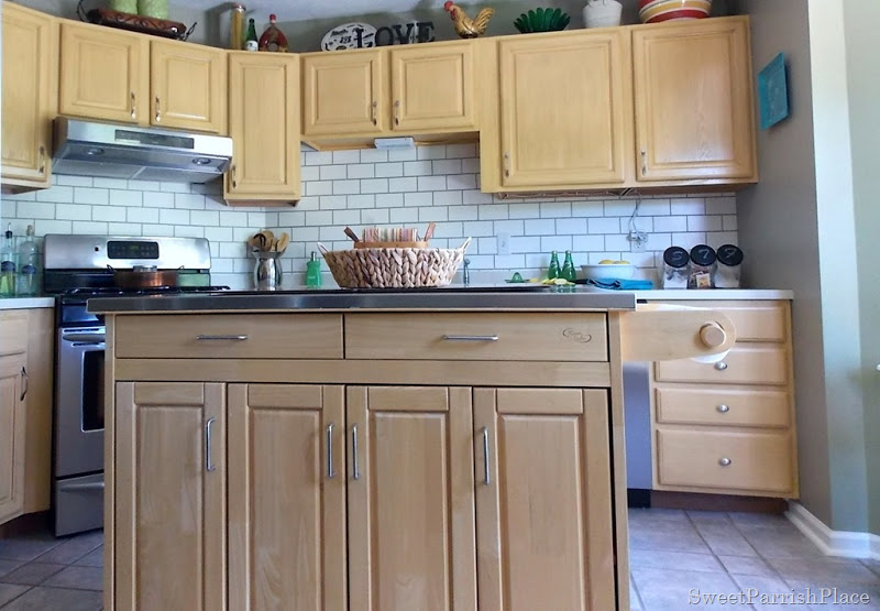 faux subway tile painted backsplash