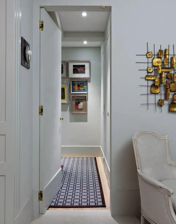 Hallway, Art Deco Apartment in the El Dorado NYC | Design by Design Development NYC | Photography by Trevor Tondro | featured at Remodelaholic.com #artdeco #design #decor #nyc