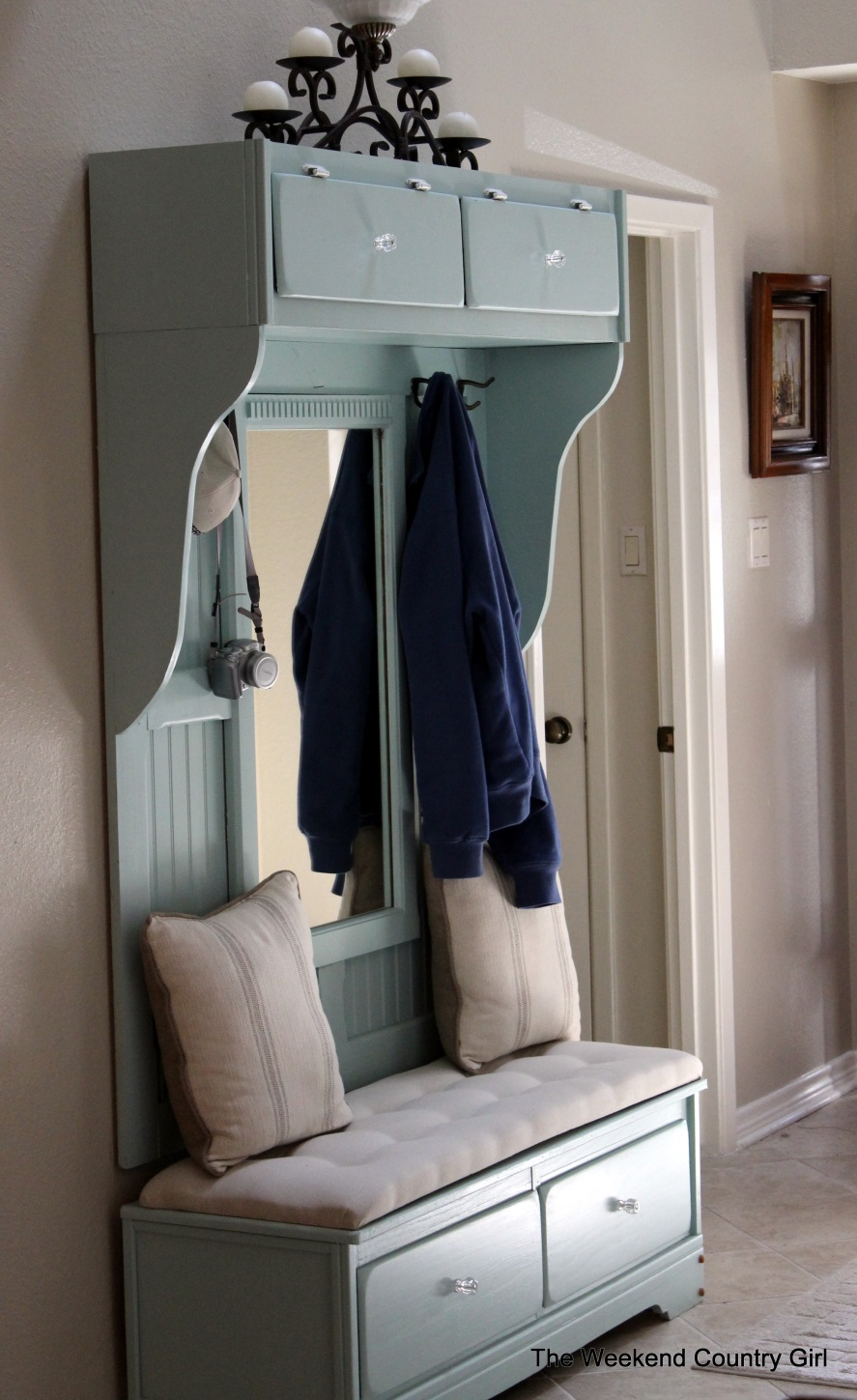 Build A Mudroom Bench From An Old Dresser | Remodelaholic.com #mudroom # Bench