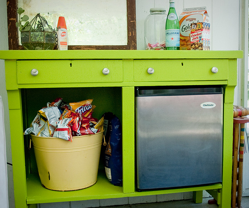 old table into snack bar console, by Jodi Michelle