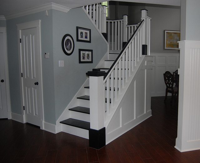 Superieur Wooden Stair Remodel After Painting 600x488