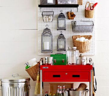 How to Organize Your Garage via Tipsaholic.com