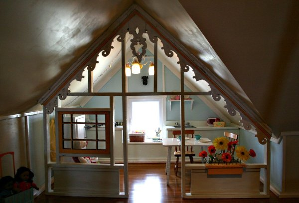 Under Eaves Cottage Playhouse With Gingerbreading Trim Via Apartment Therapy On Remodelaholic