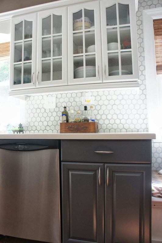 Two-Tone Gray and White Kitchen Makeover   LoveLee Homemaker featured on Remodelaholic.com #paintedcabinets #grayandwhite #kitchenmakeover