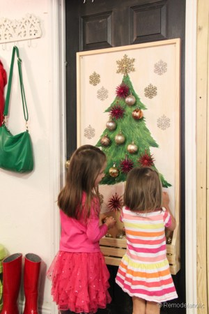 Chrsitmas Tree advent calendar with hooks-21