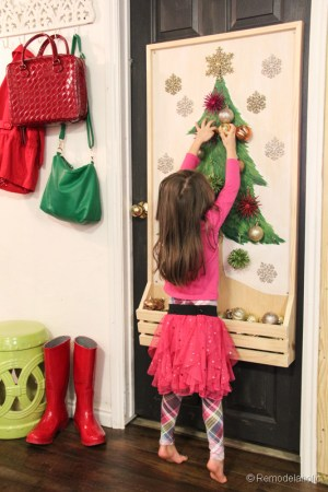 Chrsitmas Tree advent calendar with hooks-23