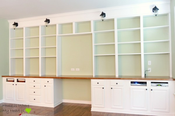 wall-to-wall built-in desk and bookshelf, Home Is Where My Heart Is featured on Remodelaholic
