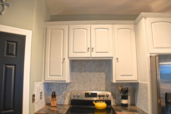white painted kitchen cabinets, The Rozy Home featured on Remodelaholic