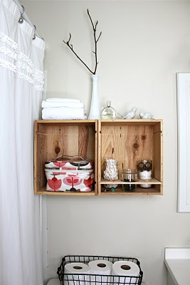 wine crate bathroom shelves, Rachel Denbow via Remodelaholic