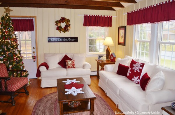 01-03 Christmas home tour, Exquisitely Unremarkable
