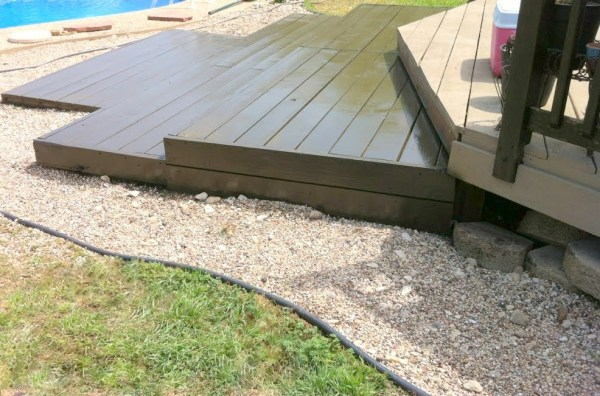 build a wooden pallet deck, The Second Wind of Texas featured on Remodelaholic