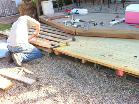 building a deck from wooden pallets, The Second Wind of Texas featured on Remodelaholic