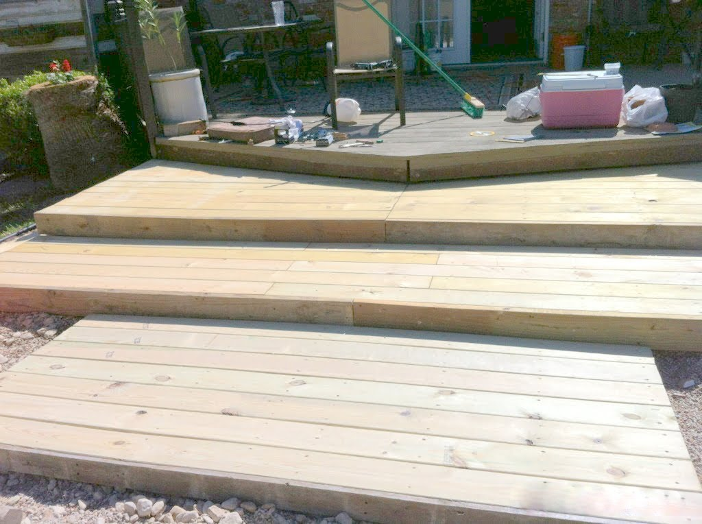 Triple Tier Wooden Pallet Deck The Second Wind Of Texas Featured On Remodelaholic
