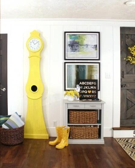 Build-a-Swedish-clock-tutorial-Yellow-Swedish-clock-national-painting-week-2-450x562