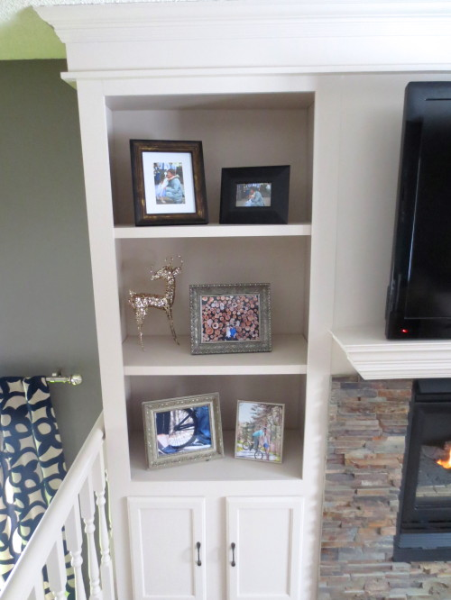 built-in bookshelves around the fireplace, construction2style on Remodelaholic